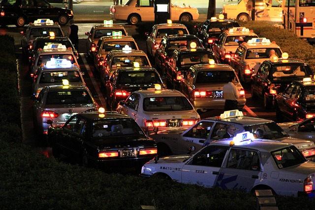Jakie są ceny taksówek w Warszawie