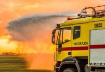 W co wyposażony jest wóz strażacki?