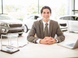 Jak sfinansować zakup auta od dealera z wyprzedaży rocznika 2019?